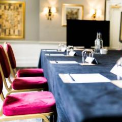 Prince of Wales Boardroom- Syndicate Photo