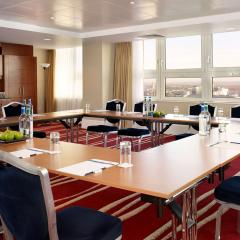 Vista Suite Boardroom Photo