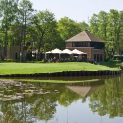 Silvermere Inn on the Lake