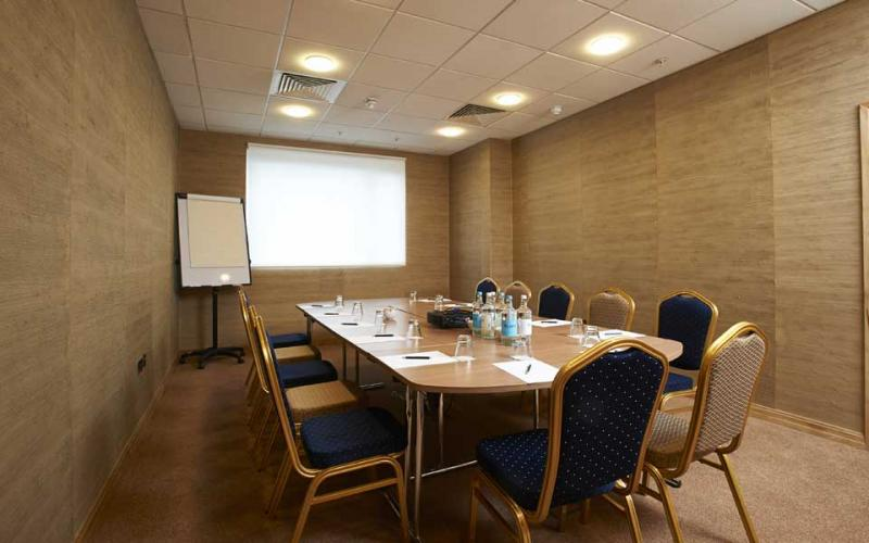 Madeira Boardroom - Pestana Chelsea Bridge Hotel & Spa