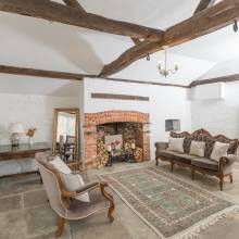 The Cottage Room - Lillibrooke Manor & Barns